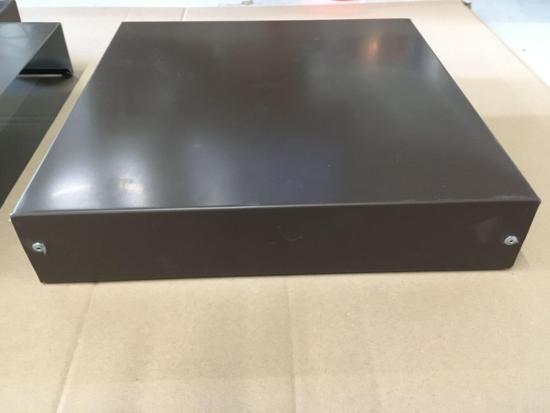 Pfeilerabdeckung und T-Stück in Aluminium braun, Abdeckungsbreite 27cm
