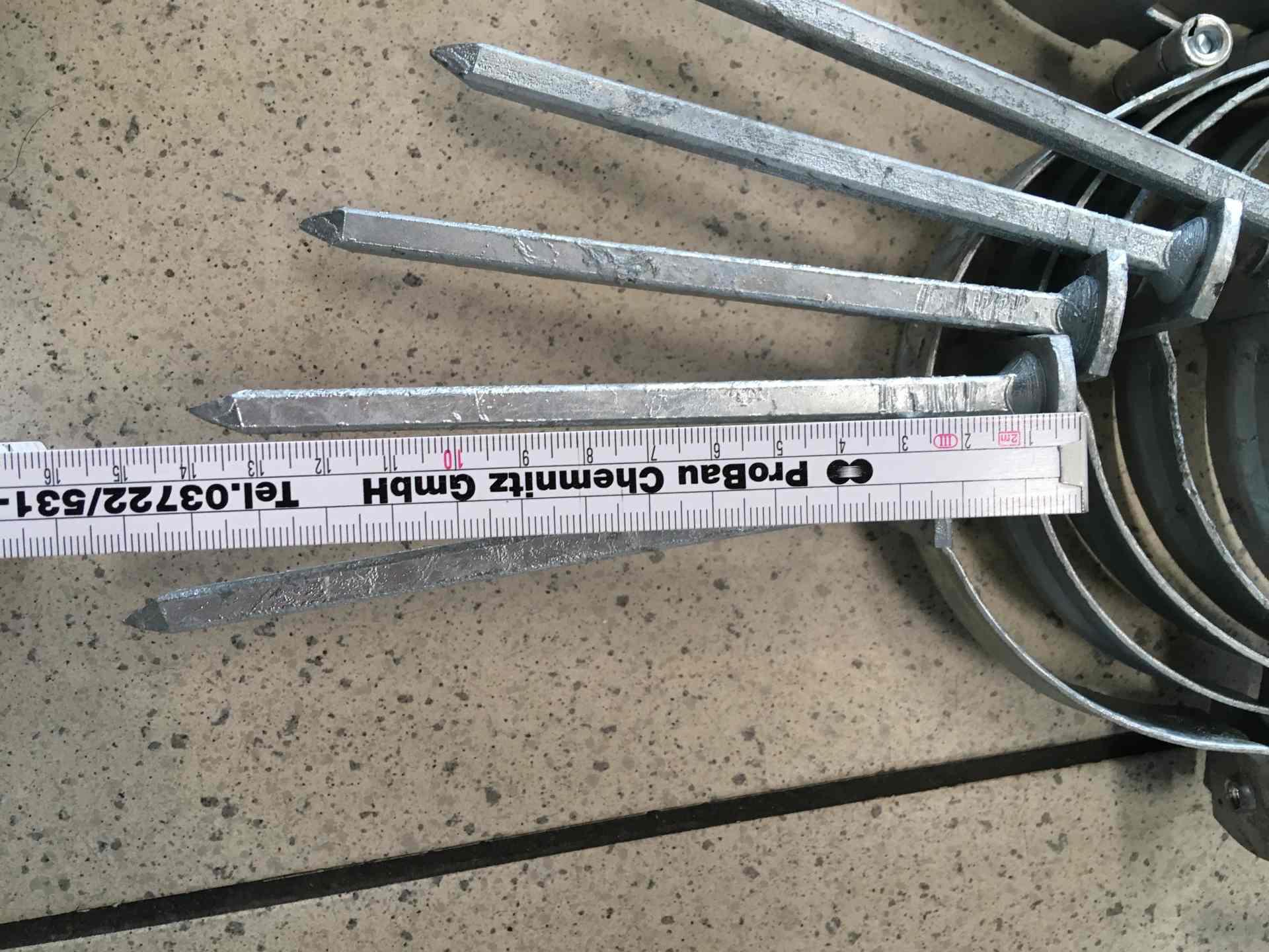 Restposten mit 12 Stück - Fallrohrschellen verzinkt mit Schlagstift - Durchmesser 120mm
